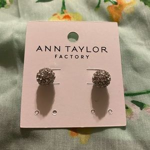 🌺🌺🌺Ann Taylor🌺🌺🌺beautiful earrings
